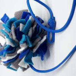 Schnüffelball mit Band, blau